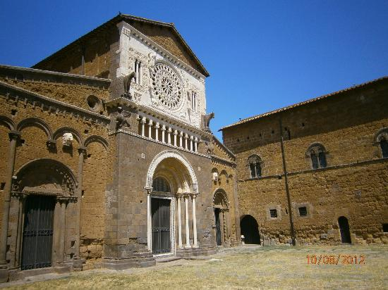 Church of San Pietro: fronte