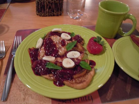 Cedar House on Sound B&B : french toast with homemade mix berry puree...yum!!!