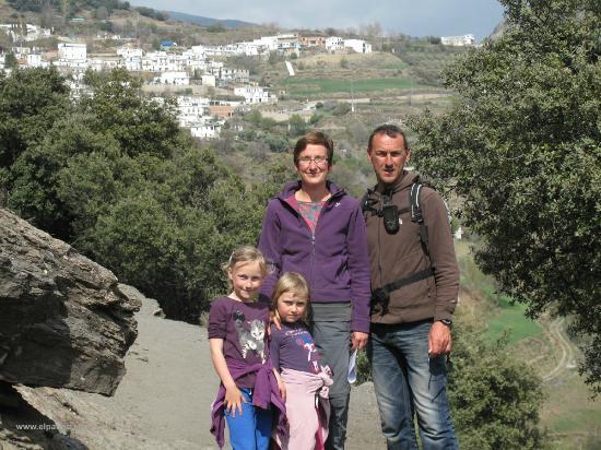 Casa Rural El Paraje: your hosts: Brenda, Filip, Moïta & Roisin welcome you