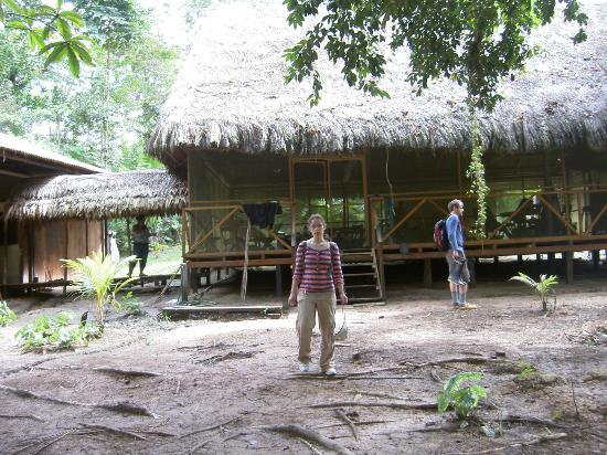 Maniti Expeditions Eco-Lodge: The front entrence