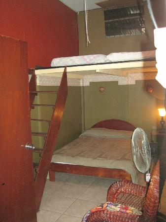 Charly's Place Hotel : One of the bedrooms