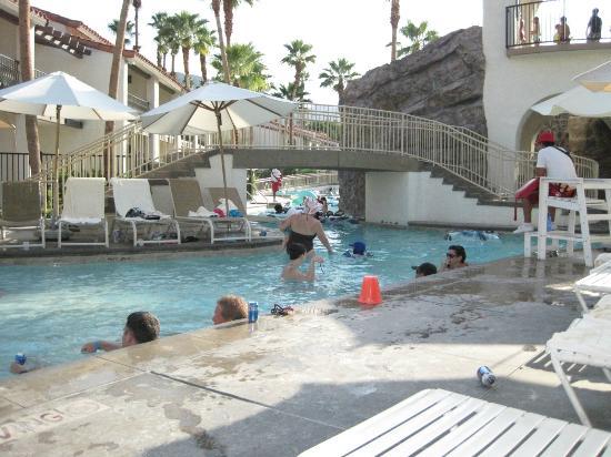 Omni Rancho Las Palmas Resort & Spa: Splashtopia kiddie pool and lazy river entrance