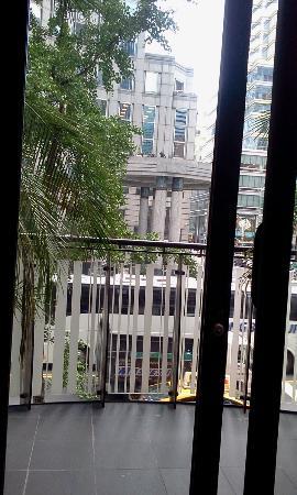 Renaissance New York Hotel 57: vista dalle aperture del Ristorante
