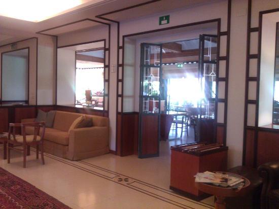 Villa Maria Hotel & SPA : entrée restaurant