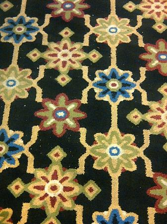 Mountain Grand Lodge and Spa: Dirty Hallway Carpets