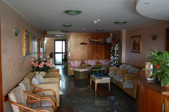 Hotel Bologna: Внутри отеля