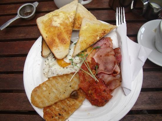 Mary Cairncross Cafe: Bloody big breakfast