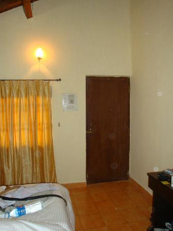 Silver Sands Holiday Village: Room