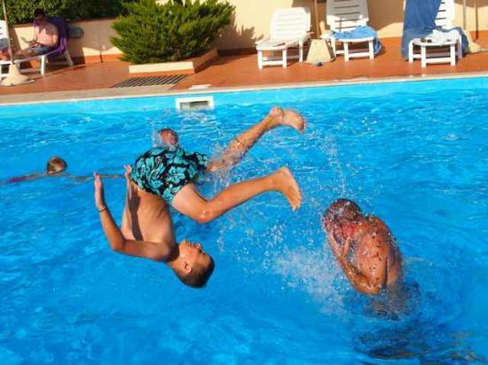 Agriturismo La Serra: am Pool