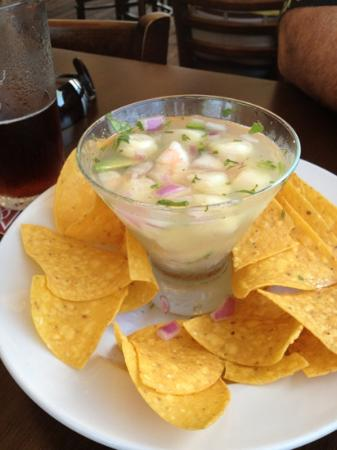 Boatyard Waterfront Bar and Grill: cool fresh scallop and shrimp ceviche!