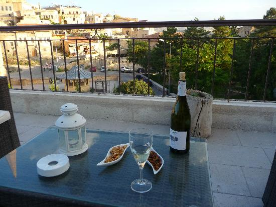 Fresco Cave Suites & Mansions: The staff brought some provisions - so I could enjoy the sunset while I caught up on a little w