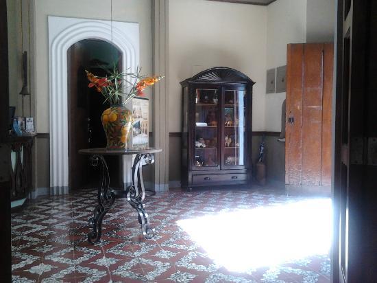 Hotel Los Balcones De Leon: entree