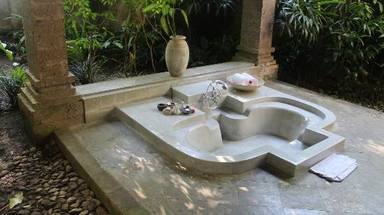 The Payogan Villa Resort & Spa: Outdoor bath