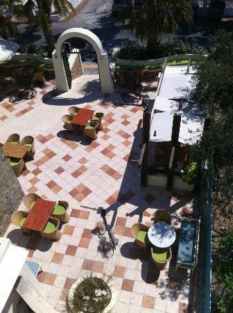 Hotel Santorini: East entrance