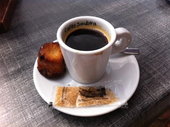 Le Thiers: café canelé