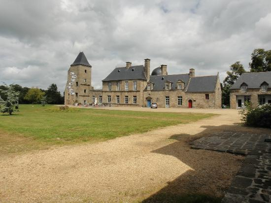 Front of the ch u00e2teau Photo de Chateau du Bois Guy, Parigné TripAdvisor # Chateau Du Bois Guy Parigné