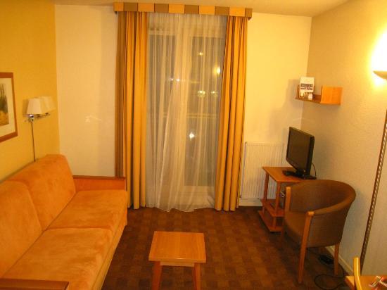 โรงแรมซิตาดีนส์ มงต์แปลลิเย่ อองติโกน: room with double sofa bed