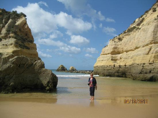 Praia Da Rocha: beautiful cliffs