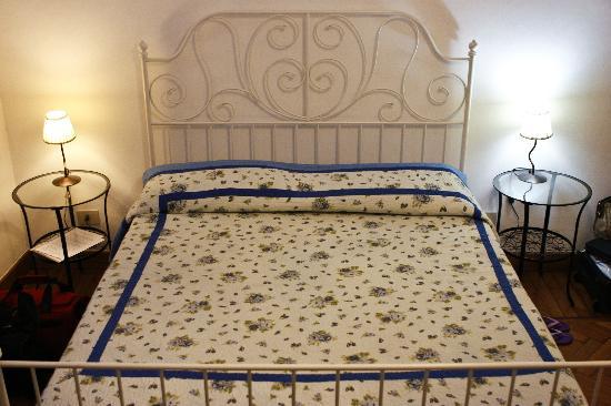 Guest Haus Praetorium: Blue Room - Bed