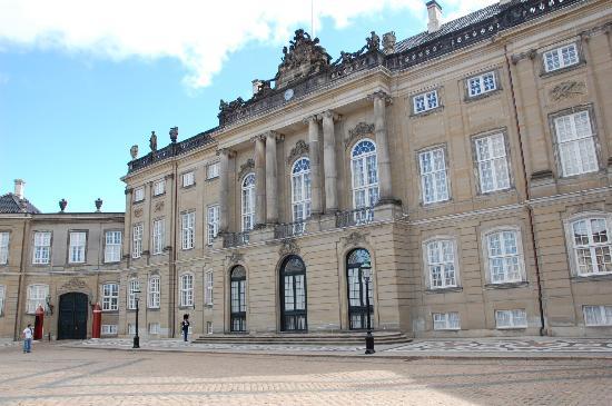 New Port Tours - Discover Copenhagen: Royal Palace