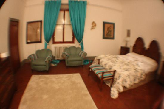 Villa Vistarenni: One of the upstairs bedrooms