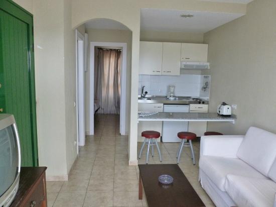 Apartamentos Guacimeta Lanzarote: dining