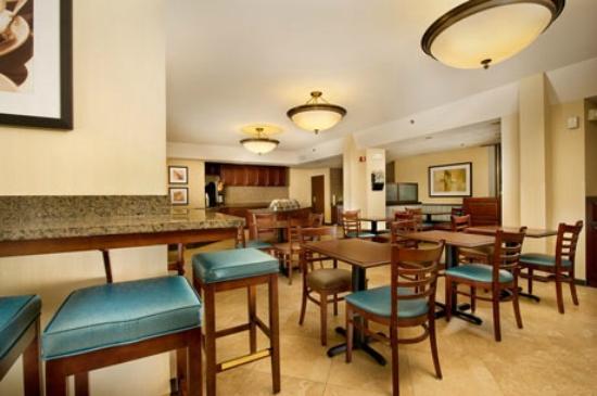 Drury Inn St. Peters: Breakfast Area