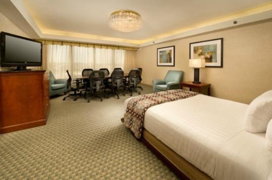 Drury Inn St. Peters: Murphy Bed/ Small Meeting Room