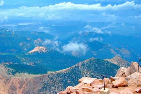 Pikes Peak Tram stop at the summit - Picture of Pikes Peak ...