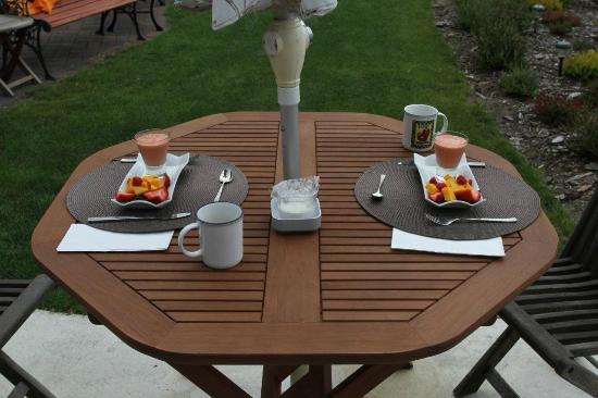Beachside Garden B & B: Heerlijk ontbijt
