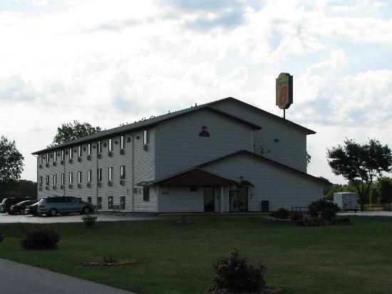 Super 8 Saginaw: Hôtel