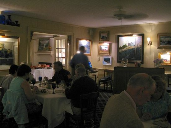 Ocean Cape Arundel Inn: The Dining Room