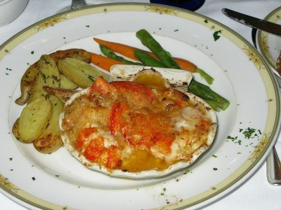 Ocean Cape Arundel Inn: The Lazy Lobster
