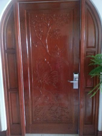Ringle Resort Hotel & Spa: Hotel Room Doors - Exquisite
