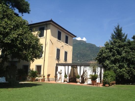 Villa Lombardi, Camaiore