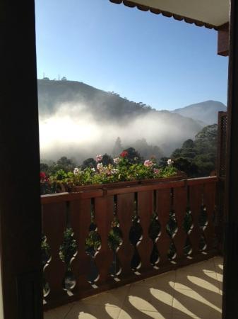 Hotel Alpina: Vista magnífica da varanda do meu apto.ao amanhecer !!!
