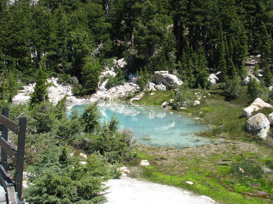 Grace Lake Resort Lassen Lodging: Lake