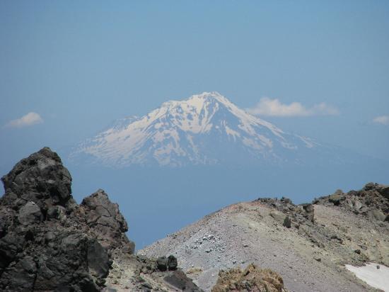 Grace Lake Resort Lassen Lodging: Mt. Shasta