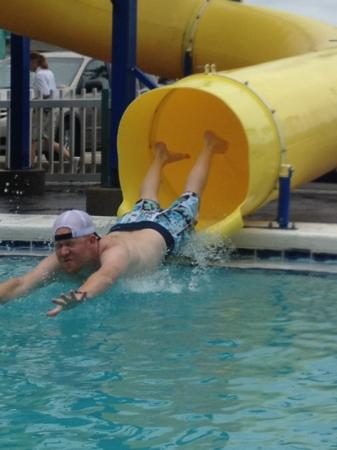 The Sandpiper Beacon Beach Resort: Kyle making a splash at the fun place.