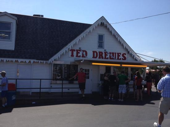 Ted Drew's Frozen Custard: I'm glad we stopped.