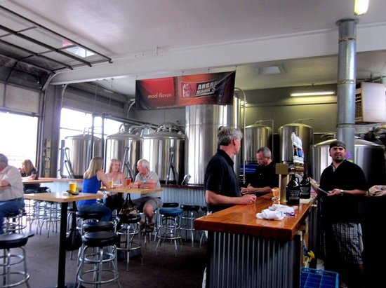Angry Hank's Microbrewery: The Tap Room