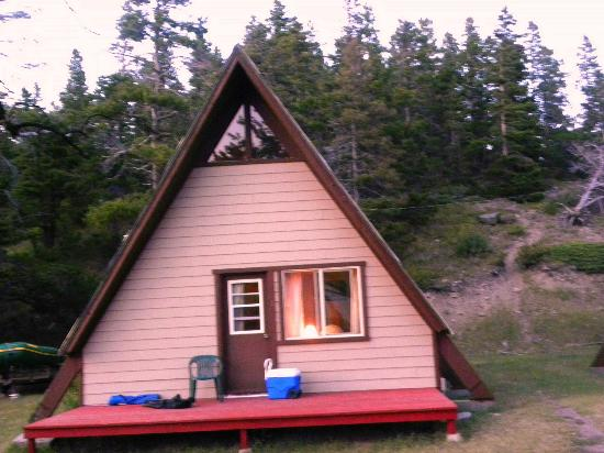 Bison Creek Ranch: A- frame-comfortable furniture and full kitchen- nice beds