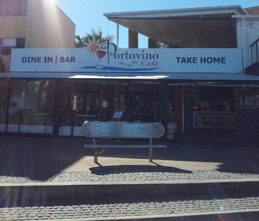 Portovino Restaurant: Street view