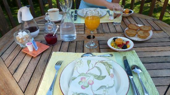 La Raveaudière: Déjeuner - Fruits en entrée