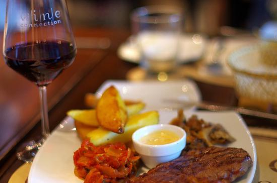 Wine Connection Deli & Bistro: стейк
