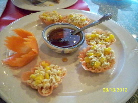 Thai Place Restaurant: Crispy Chicken Cups