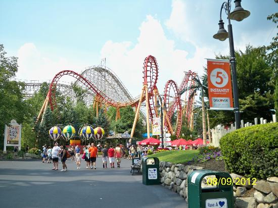 goliath towers 2 picture of six flags new england. Black Bedroom Furniture Sets. Home Design Ideas