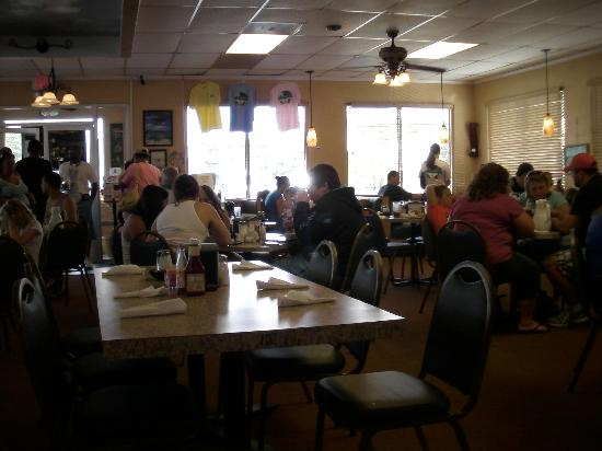 Paradise Pancake & Omelet House: busy..