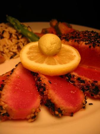 Sunset Bar & Grill: Sesame Tuna