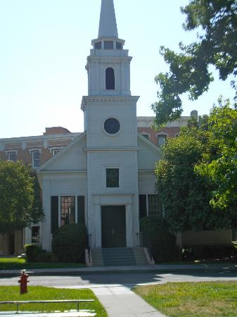 Burbank, Kalifornia: Church in Rosewood from Pretty Little Liars